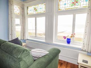 RATHMINES large seafront Victorian terrace, en-suites, garden, WiFi in Rhyl Ref