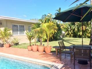 Lovely South Miami/Coral Gables area home w/pool
