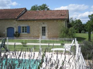 Holiday Gite with swimming pool in Dordogne