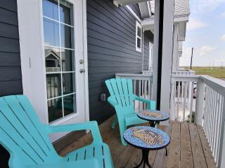 BB's Getaway:Walk To Beach, Near Schlitterbahn, Fishing, Boating. Full Kitchen