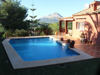 Luxury air-conditioned villa with pool, sea view, Javea
