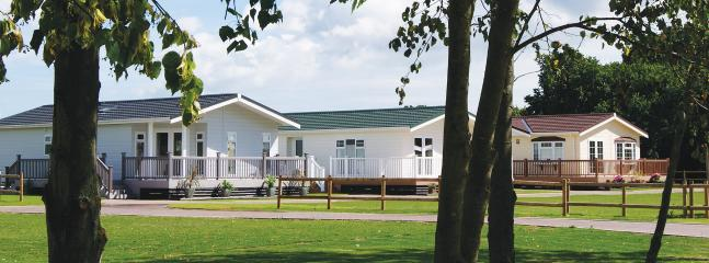3 Bedroom Signature Lodge at Elm Farm, Clacton-on-Sea
