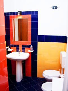 bagno, vista dalla doccia