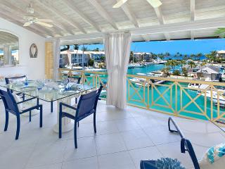 Caribbean Casas: Colorful Apartment Carlos for 2 guests, only 5min drive to the