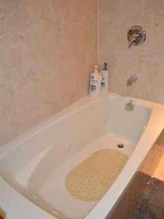 Bathroom #1. Bathtub.