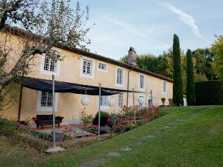 6 bedroom Villa in Lucca, Tuscany, Italy : ref 5455402