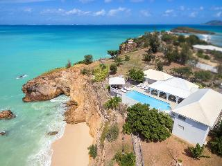 POINTE DES FLEURS...4 BR with private, secluded sandy beach