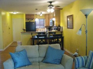 2 Bedroom/2Bath Renovated Sand Pebbles Condo, Carolina Beach