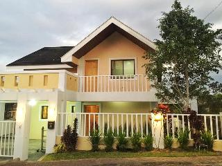 "Balay San Jose Tagaytay 2 br Home w 50"" HD tv"
