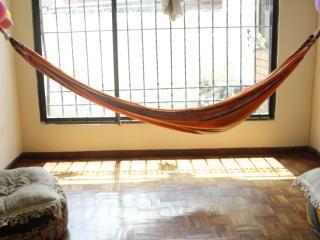 Habitacion en zona segura y centrica de Quito