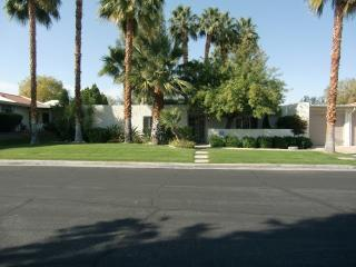 Three Bedroom Palm Springs Condo ~ RA52699