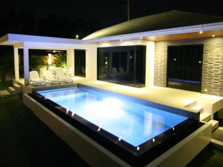 Luxury 3 bedrooms private pool and garden VILLA, Chaweng