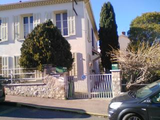 Bas de villa proche marché Mourillon, Toulon