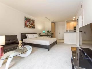 Amazing and Huge 1 Bedroom Apartment Located in the Best Part of Los Angeles, Los Ángeles