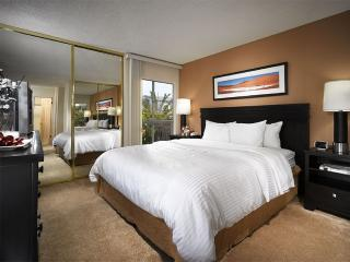 CLASSY AND NEAT FURNISHED 1 BEDROOM 1 BATHROOM APARTMENT, Marina del Rey