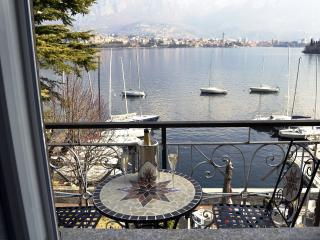 PARE BAY - COMO LAKE HOLIDAY APARTEMENT, Valmadrera
