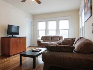 RAVISHING FURNISHED 3 BEDROOM 1  BATHROOM APARTMENT, Forest Park