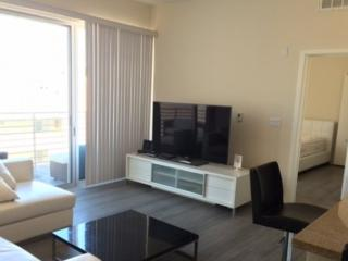 Furnished 2-Bedroom Apartment at 4th St & Arizona Ave Santa Monica