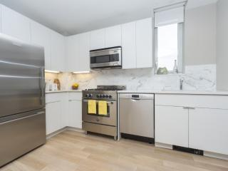 FULLY FURNISHED AND SPACIOUS 2 BEDROOM, 1 BATHROOM APARTMENT, New York City