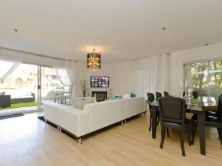 WeHo Luxury 3 bedroom 4 beds rental, West Hollywood