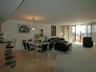 LUXURIOUS AND SPACIOUS 3 BEDROOM, 2 BATHROOM APARTMENT, Marina del Rey