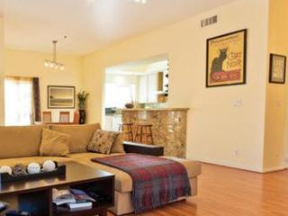 Furnished 2-Bedroom Townhouse at W Huntington Dr & S Baldwin Ave Arcadia
