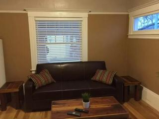 Large 3 Bedroom Home, Sacramento