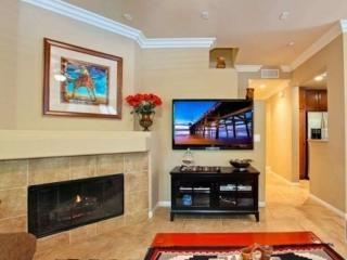 ELEGANT FURNISHED 3 BEDROOM 2.5 BATHROOM  TOWNHOUSE, Irvine