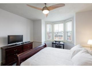 ADORABLE, FULLY FURNISHED AND CLEAN STUDIO APARTMENT, Boston