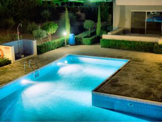 Modern Two Bedroom House with Communal Pool