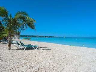 Sea View room on 7 mile beach- Ch, Negril