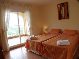 AE04 - 2 bedroom apartment with sea view, Almerimar