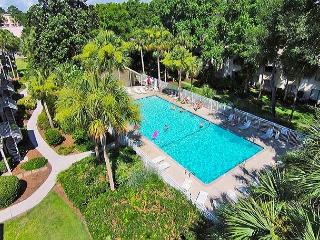 Courtside 1 - Forest Beach Ground Floor Spacious Condo, Hilton Head
