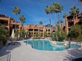 Beach frontline duplex apartment, Marbella