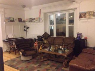 Summer sublet/lease transfer apartment in McGill, Montreal