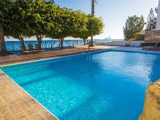 3b Delux pool seafront - Apollonia beach
