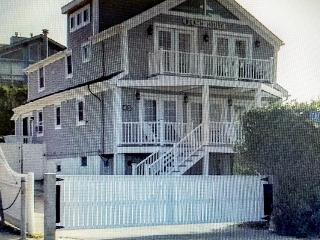 Beach House, Newport