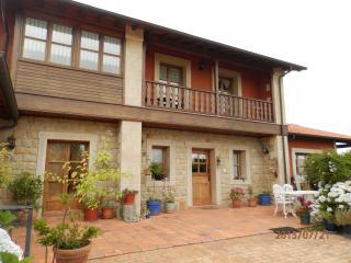 Casa vacacional en Oles, a 5 min. de Villaviciosa.