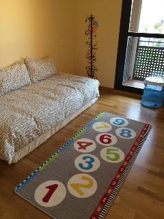 Podemos dejar la habitación preparada con esta distribución o con dos camas.