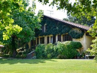 Old Landaise Farmhouse with all Mod Cons, Saint-Paul-Lès-Dax