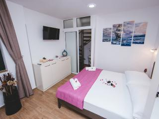 Felix studio apartment with terrace ****, Spalato