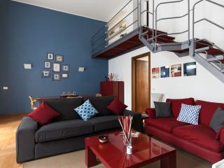 FANCY BLUE DUOMO DUPLEX APARTMENT