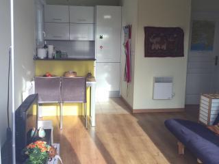 Vista cocina y sala