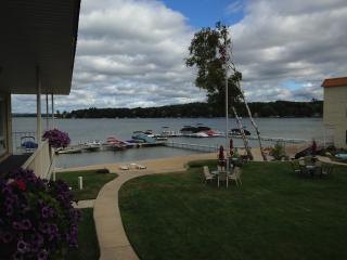 Crooked Lake Condo, Harbor Springs