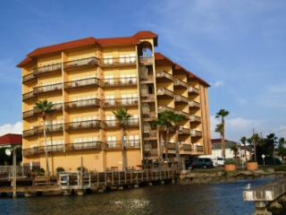 Galleon Bay condominium - bayfront with boat slips, Isla del Padre Sur