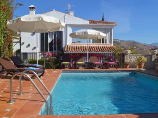 Villa Los Geranios - Private Pool & Stunning Views, Almunecar