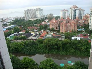 2 quartos com serviços, vista mar, Rio de Janeiro