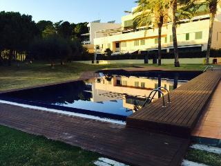Bonito duplex con jardín primera línea mar