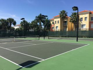 Wonderful 2 bedroom condo in gated community, Palm Beach Gardens