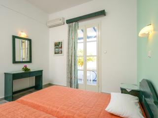 Marousa Rooms Apartment, Agia Anna